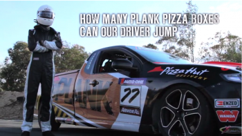 Pizza Hut - The Plank Challenges 'Jump'