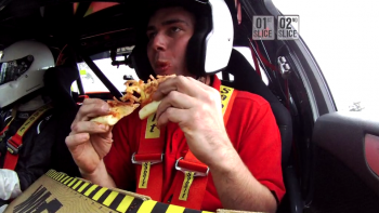 Pizza Hut - The Plank Challenges 'Eat in Car'